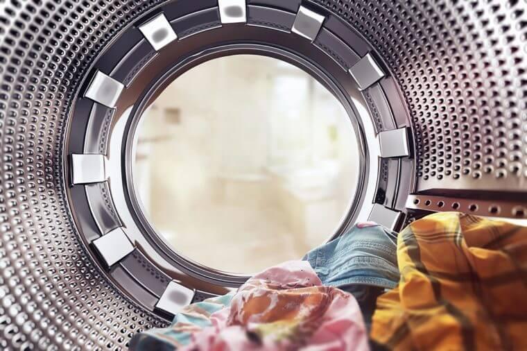 10 چیزی که نباید در ماشین لباسشویی بیندازید