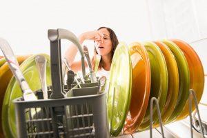 بوی بد و آزاردهنده داخل ماشین ظرفشویی