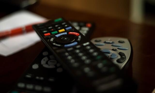 خرابی ریموت کنترل علت روشن نشدن تلویزیون