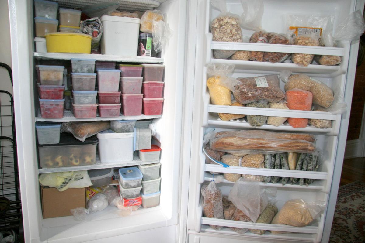 علت یخ زدن وسایل و مواد غذایی داخل یخچال و راهکارهای آن